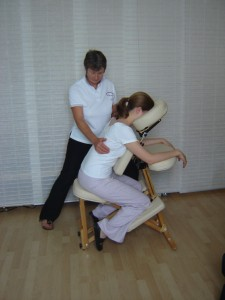 A comfortable, ergonomically designed chair will support you comfortably during the massage